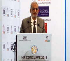 Mr Vijay K Thadani, CEO, NIIT Ltd at the inaugural session of the HR Conclave 2014
