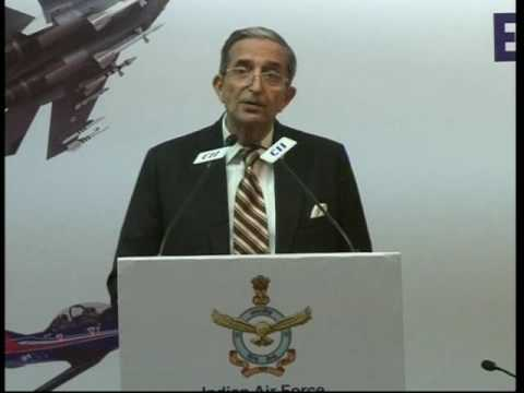 Air Marshal Vinod Patney SYSM PVSM AVSM VrC (Retd), Director General, CAPS delivers closing remarks